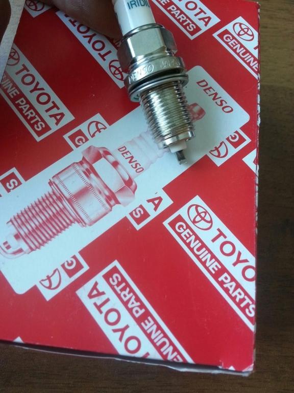 Свеча зажигания иридиевая Toyota  SK20R11